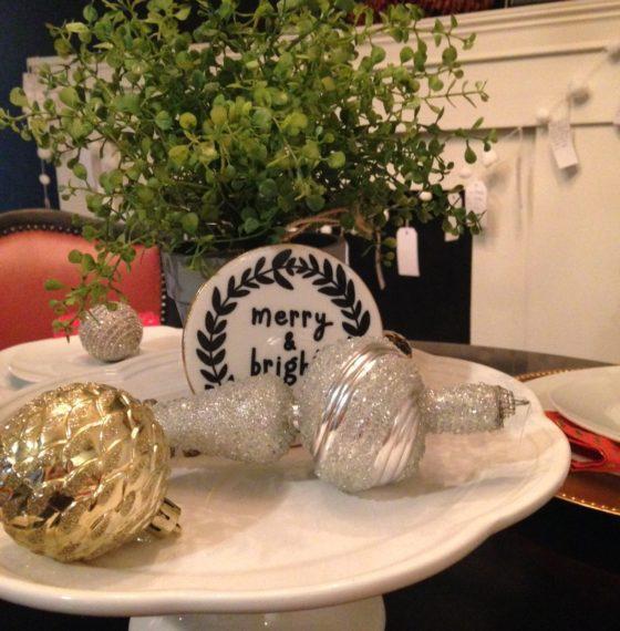 """DIY Christmas Pom Pom """"Grateful"""" Garland"""